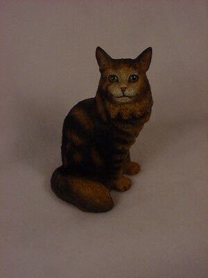 - MAINE COON CAT FIGURINE Brown Tabby kitty kitten HAND PAINTED Resin COLLECTIBLE