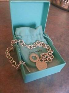 NEVER WORN Return to tiffany heart toggle necklace. Ngunnawal Gungahlin Area Preview