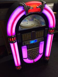 Juke Box Jukebox mit Plattenspieler
