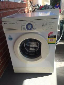 great working 7.kg LG ront good size washing machine, can deliver