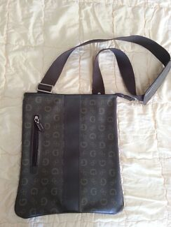 Leather bag Point Arkwright Maroochydore Area Preview