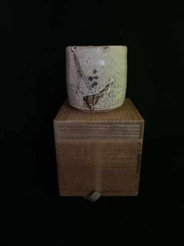 Japanese Antique Shino Yunomi Mukouzuke Tea Cup ソ( b354)