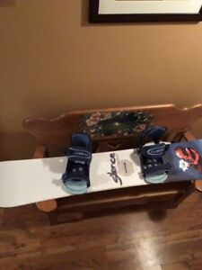 153cm snowboard $120 w/ bindings and stomp pad