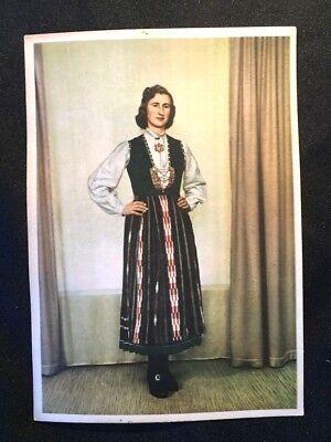 c 1930 NORWEGIAN Postcard Norway FESTBUNAD Costume FOLKLORE Scandinavian Customs (Norway Costume)