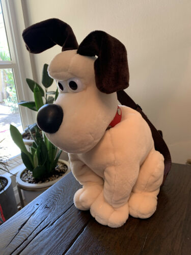 "Wallace and Gromit - Gromit Plush Backpack 17"" - New Without Tags"