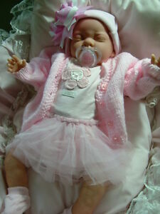 REBORN DOLL FAKE BABY NEWBORN LIFE LIKE GIRL CHILD FRIENDLY !!!!