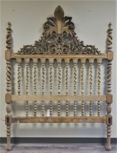 ANTIQUE FRENCH ITALIAN HAND CARVED BARLEY TWIST SPINDLE BED HEADBOARD FOOTBOARD