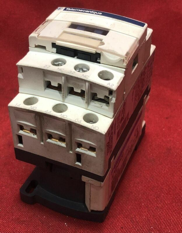 Telemecanique CAD32 Control Relay