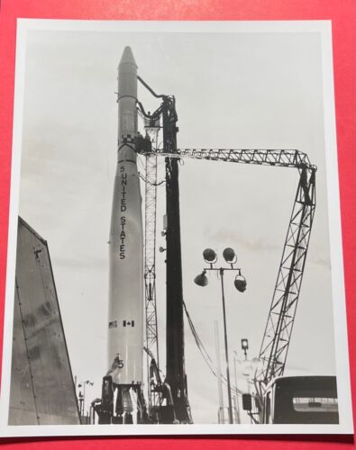 ISI S-X ON THE PAD  CANDID USAF SPECIAL INTEREST PHOTO