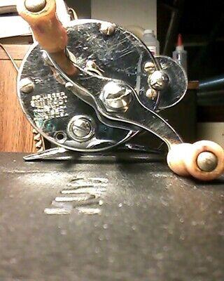 Casting Reels - Vintage Pflueger Skilkast Fishing Reel