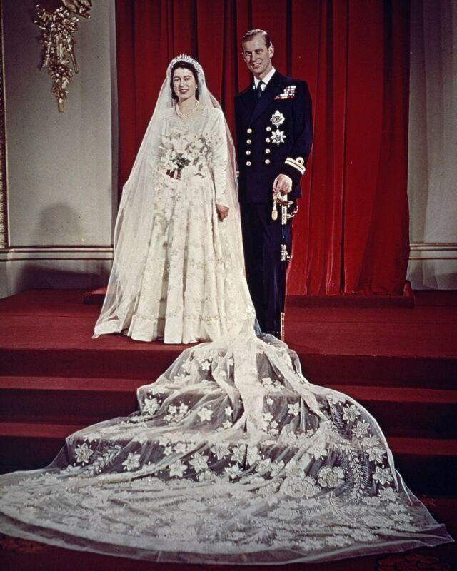 New 8x10 Photo: Wedding of HRH Princess Elizabeth to Philip Mountbatten, 1947