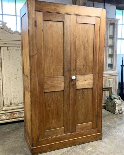 LARGE 19TH CENTURY PINE HOUSEKEEPERS CUPBOARD