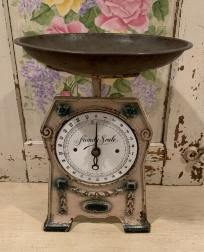 Rare Antique English Edwardian Cast Iron FAMILY SCALE with Round Pan
