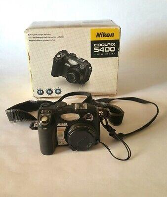 Fotocamera digitale Nikon Coolpix 5400 usata, perfetta, completa di accessori