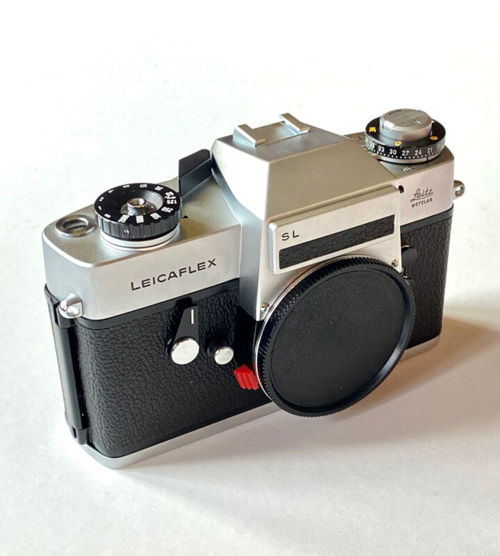 Leica. Leicaflex SL #1277580 with Matching, Original Box