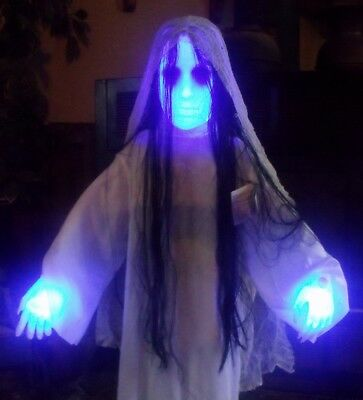 HALLOWEEN ANIMATED LIGHTED SCARY GHOST DEMON GIRL FIGURE PROP THE RING 36