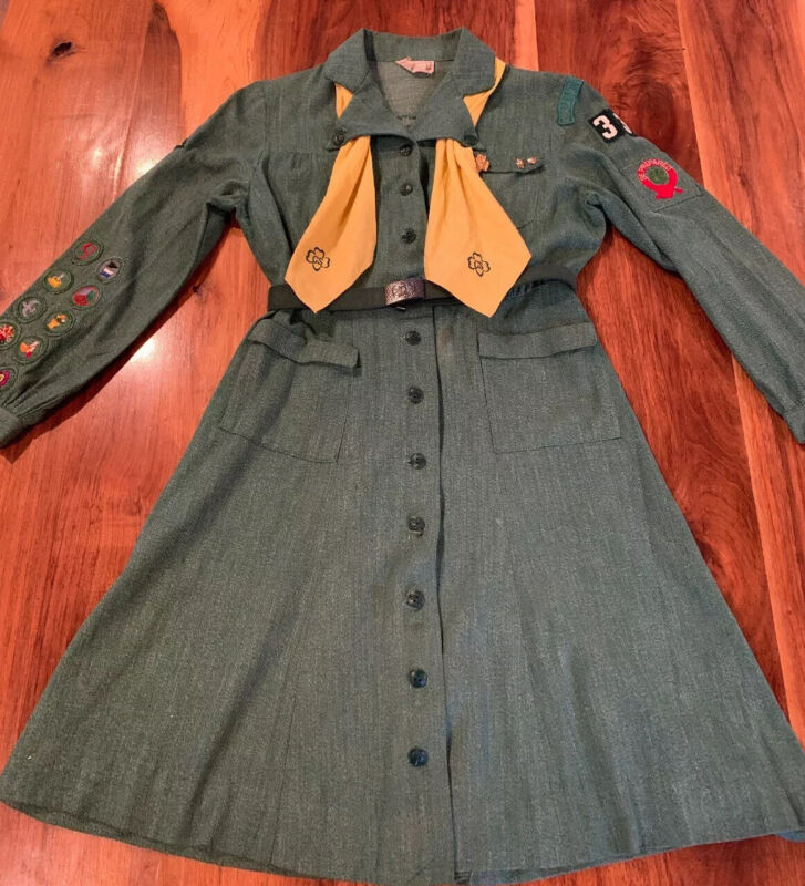 Vintage Green Girl Scout Uniform Button Up Dress W/Pins, Belt, Patches, & Scarf