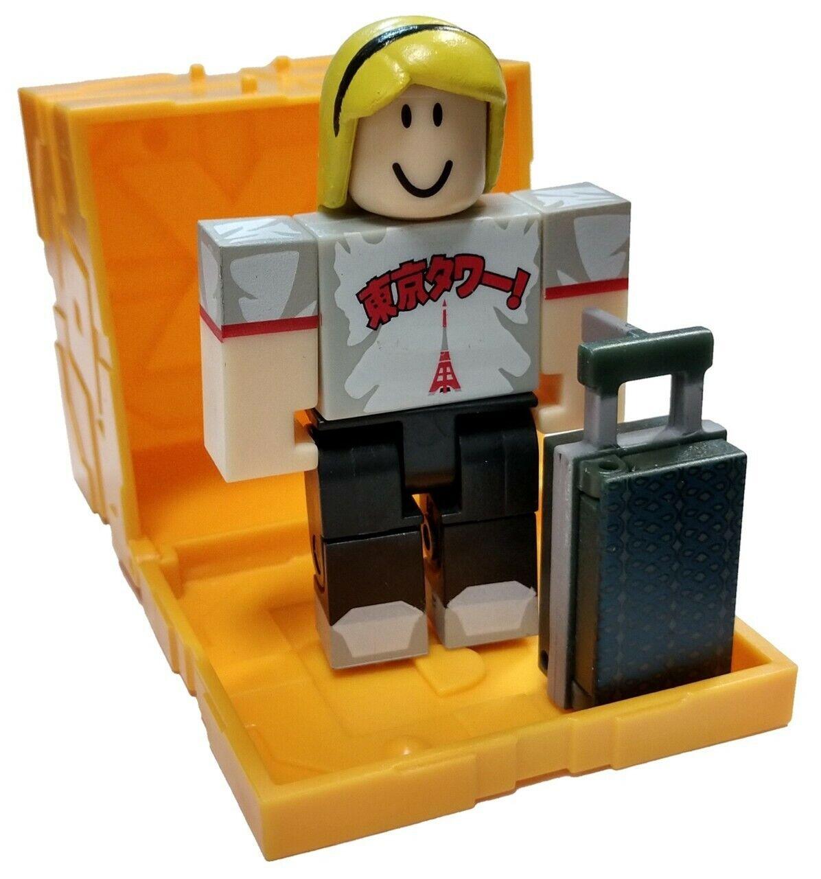 Roblox Figure Pack Assortment Gamestop Roblox Toys Series 3