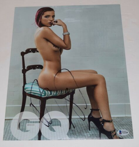 Bella Thorne Signed Autographed 11x14 Photo Hot Sexy Actress Beckett BAS COA