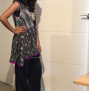 Three piece suit ..pure Shafoon embroided gown East Maitland Maitland Area Preview