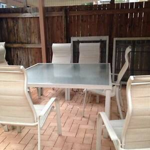 Outdoor dining setting Taringa Brisbane South West Preview