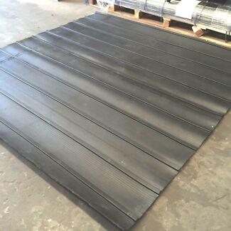 Jumbo Tailgate Mat for Horses and Livestock