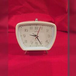 Small Retro 1940's – 1950's type cream Designer alarm clock (Replica)