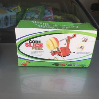APPLE/POTATO Corer,  Peeler and slicer - NEW BOX DAMAGED
