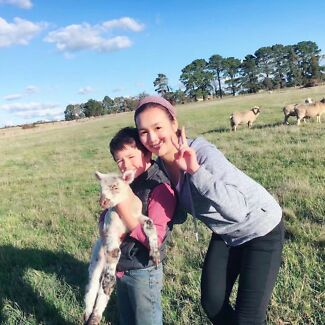 Experienced baby-sitter girl in Melbourne