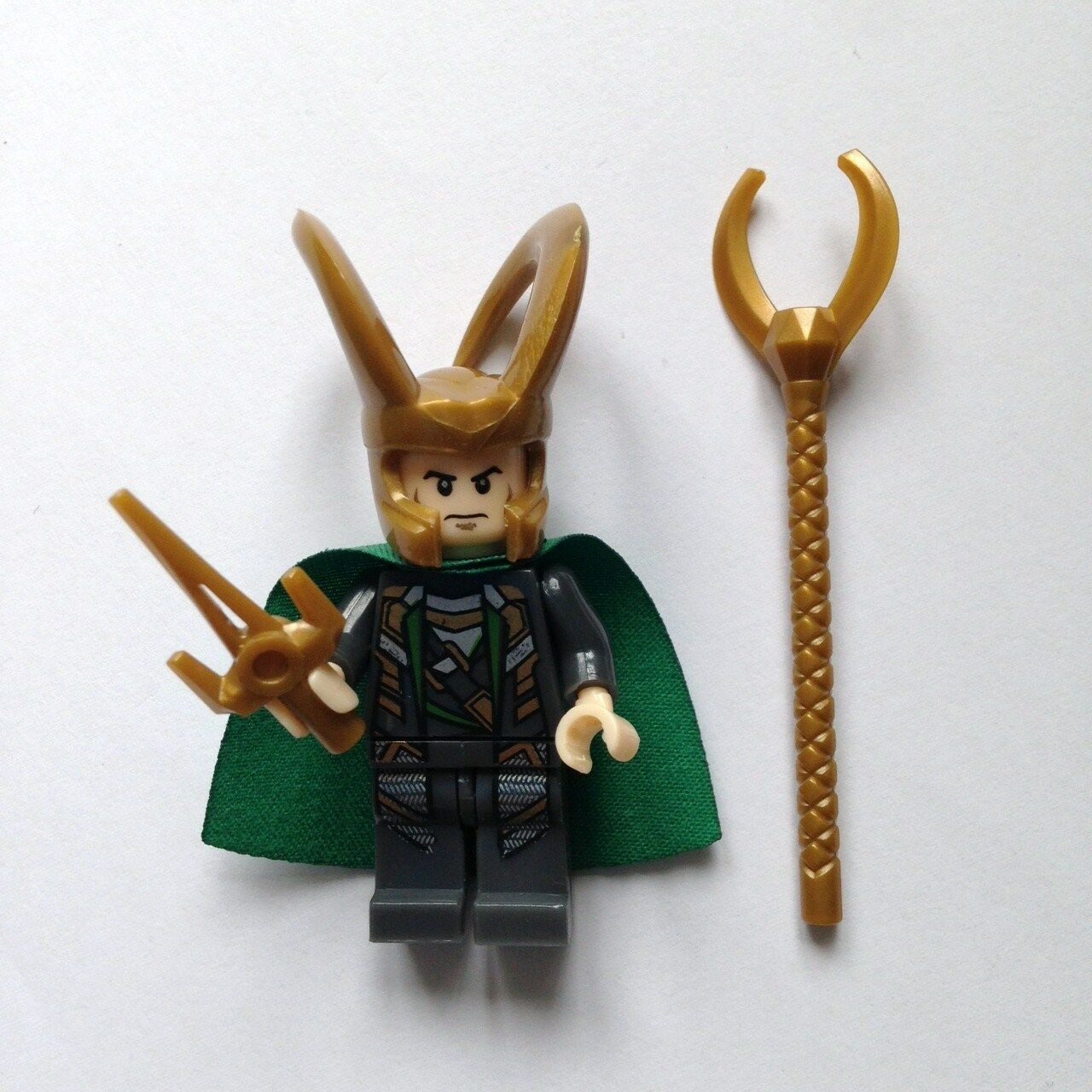 Loki Minifigure from the Avengers Marvel NEW Fits Lego UK SELLER