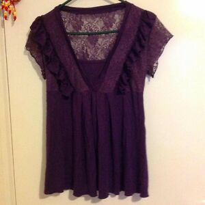 Women purple top with lace Caroline Springs Melton Area Preview
