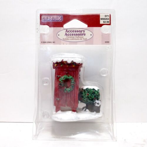 Lemax CHRISTMAS OUTHOUSE & Raccoon Figurine - 2006 Miniature Village D71 M99264