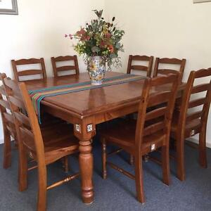 Square table and 8 chairs for sale - very attractive and solid Aberfoyle Park Morphett Vale Area Preview