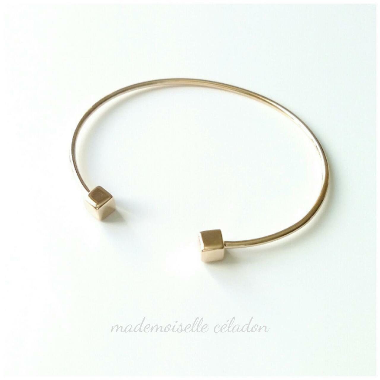 jonc plaque or 18 carats bracelet minimaliste jonc. Black Bedroom Furniture Sets. Home Design Ideas