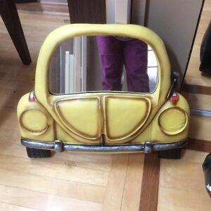 Miroir en forme d'auto