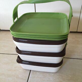 Tupperware picnic set in new condition