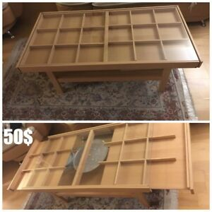 Coffee Table made with wood and glass sheet cover