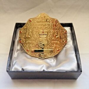 WWE WWF Official Authentic World Heavyweight Championship Belt Buckle  In Box
