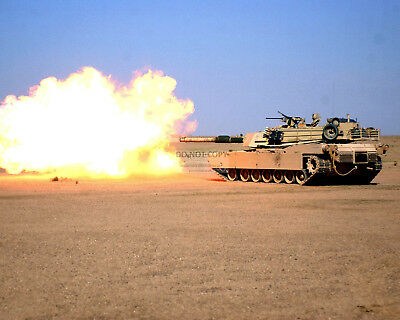 M1 ABRAMS BATTLE TANK FIRING 120MM M256 GUN - 8X10 MILITARY PHOTO (AZ123)