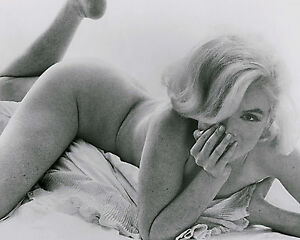 Marilyn Monroe 8x10 Black And White Photo # 20