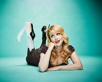 Melissa Rauch / The Big Bang Theory 8 x 10 / 8x10 GLOSSY Photo Picture IMAGE #2