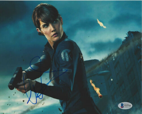 COBIE SMULDERS SIGNED 'THE AVENGERS' 8X10 PHOTO 3 SEXY ACTRESS BECKETT COA BAS