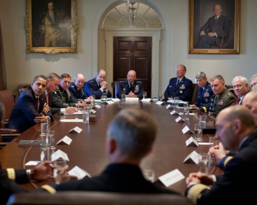 BARACK OBAMA MEETS WITH COMBATANT COMMANDERS IN 2009 - 8X10 PHOTO (ZY-397)