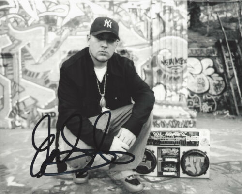 SINGER EVERLAST (HOUSE OF PAIN) SIGNED AUTHENTIC 8X10 PHOTO w/COA RAPPER