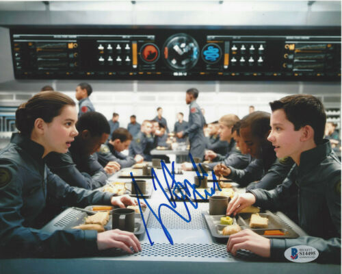 HAILEE STEINFELD SIGNED ENDER'S GAME 8x10 MOVIE PHOTO ACTRESS BECKETT COA BAS
