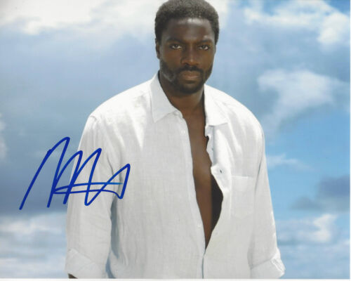 ADEWALE AKINNUOYE-AGBAJE SIGNED AUTHENTIC 'LOST' 8X10 PHOTO w/COA TV ACTOR