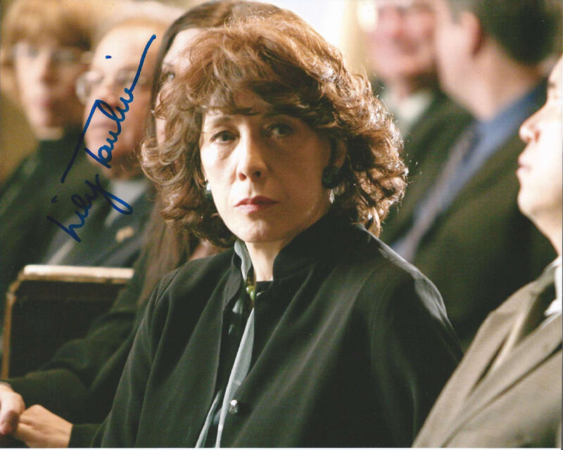 LILY TOMLIN HAND SIGNED AUTHENTIC 'THE WEST WING' DEBORAH 8X10 PHOTO C w/COA