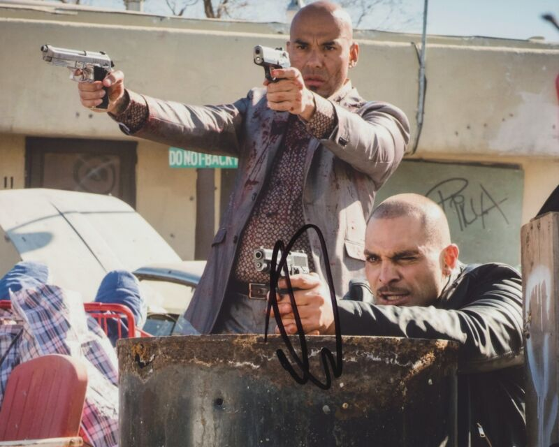 MICHAEL MANDO SIGNED BETTER CALL SAUL 8X10 PHOTO