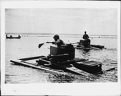 Russian Soviet Red Army Amphibian Tanks Pinger Movement 1941 Press Photo