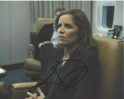 ACTRESS KIM DICKENS SIGNED HOUSE OF CARDS 8x10 PHOTO COA FEAR THE WALKING DEAD